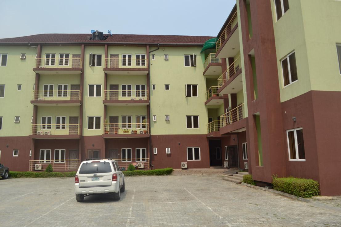 3 bedroom furnished apartment