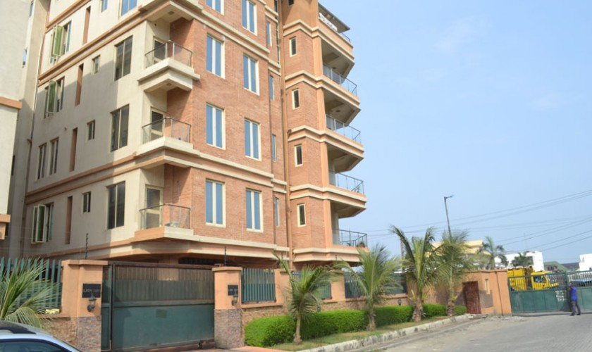 3 bedroom serviced apartment oniru-840×500